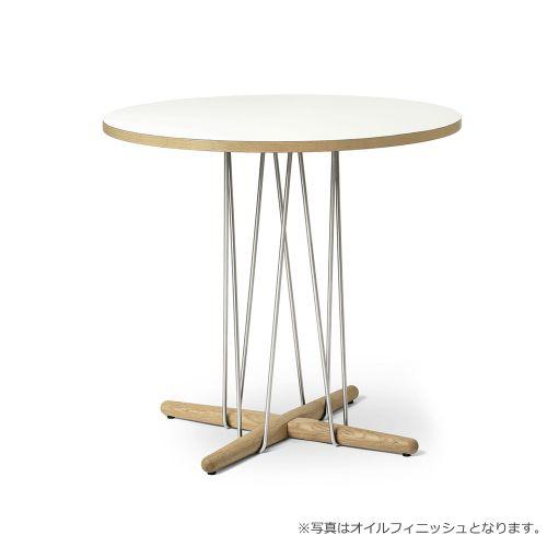 E020 エンブレイステーブル φ79.5cm ホワイト / オーク材 ソープフィニッシュ (Carl Hansen & Son / カールハンセン&サン)