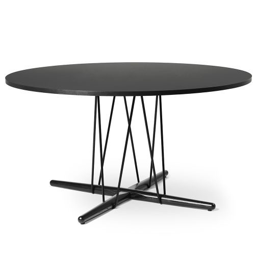 E020 エンブレイステーブル φ139.5cm ブラック / オーク材 ブラック塗装 (Carl Hansen & Son / カールハンセン&サン)