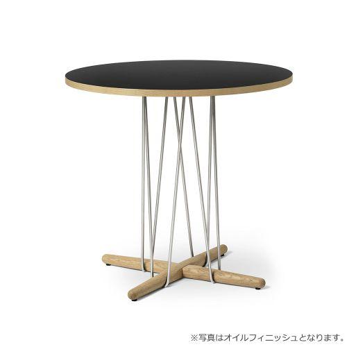 E020 エンブレイステーブル φ79.5cm ブラック / オーク材 ラッカー塗装 (Carl Hansen & Son / カールハンセン&サン)