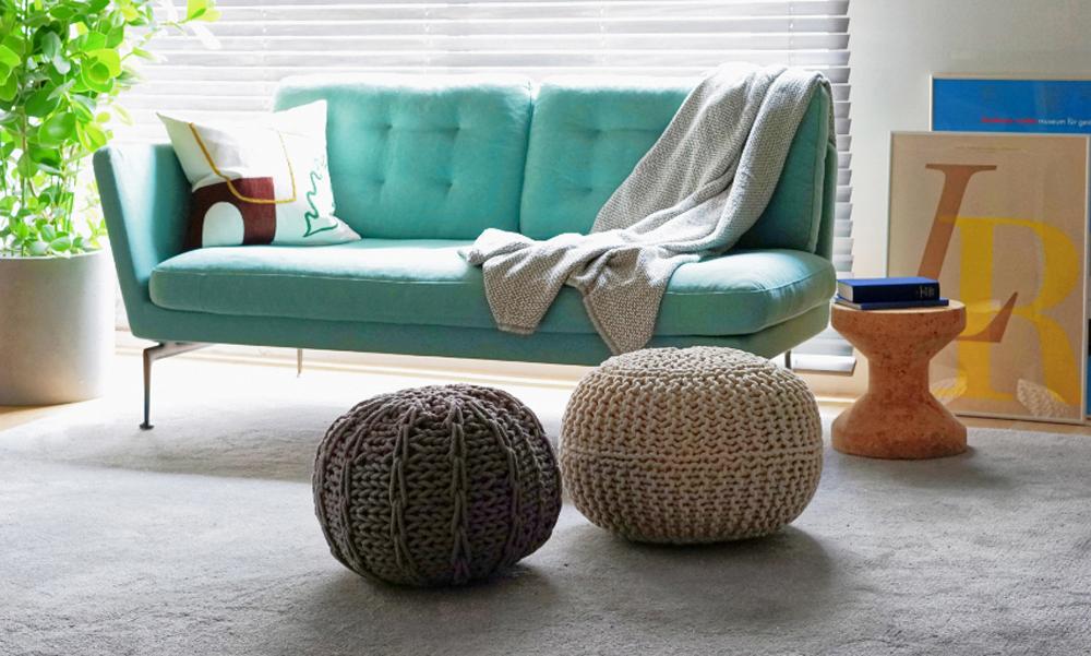 お部屋のアクセントにもなる、ざっくり編みの愛らしいクッション。